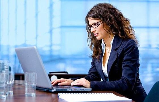 штатный бухгалтер или консалтинг